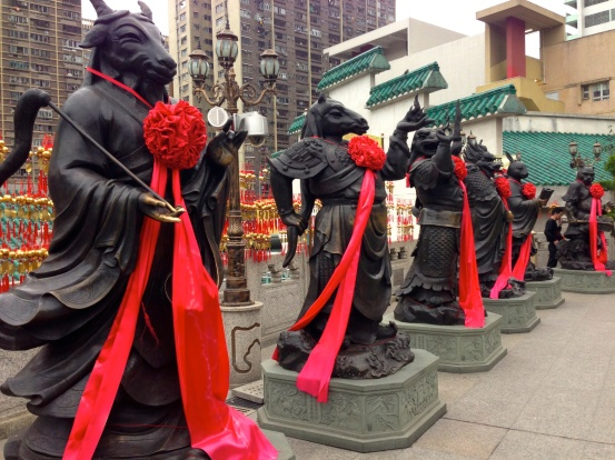 Statues at Wong Tai Sin Temple
